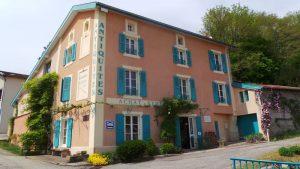 Chez l'Antiquaire maison d'hôtes à Hauterives près du Palais Idéal du Facteur Cheval